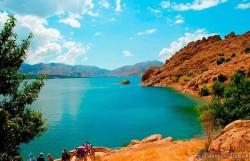 Севан — одно из самых высокогорных озер / Достопримечательности Армении