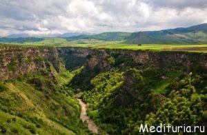 """Активный тур в Армению """"Тайны гор и храмов севера Армении"""""""